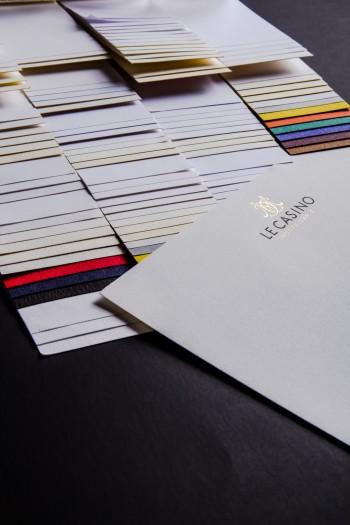 Têtes de lettre : Papiers de création